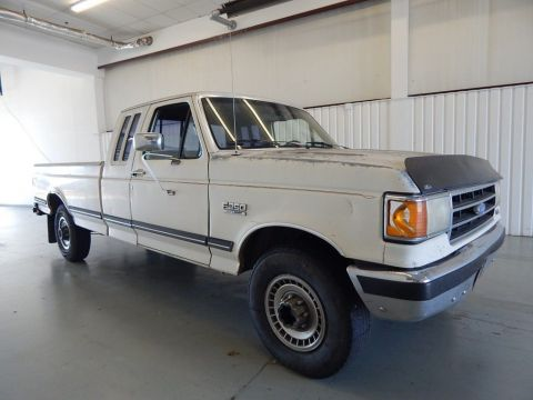Pre-Owned 1991 Ford F-250 XLT Lariat